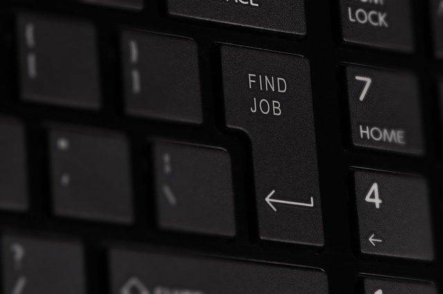 失業保険をもらうには退職都合によって求職活動の必要実績が異なる